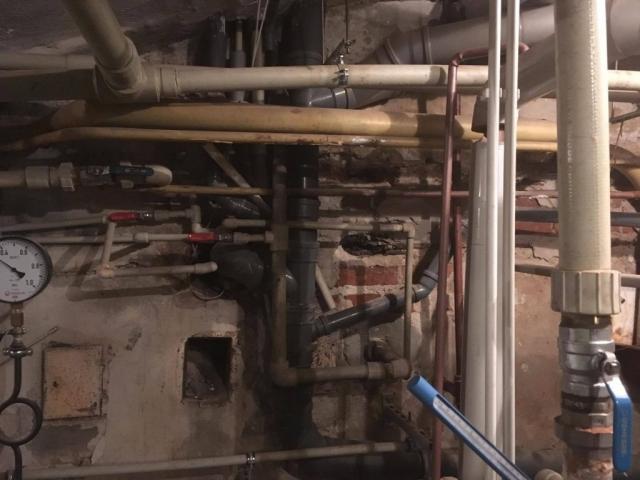Hydraulika warszawa, hydraulik warszawa, naprawa instalacji wodno kanalizacyjnej, naprawa hydrofornii