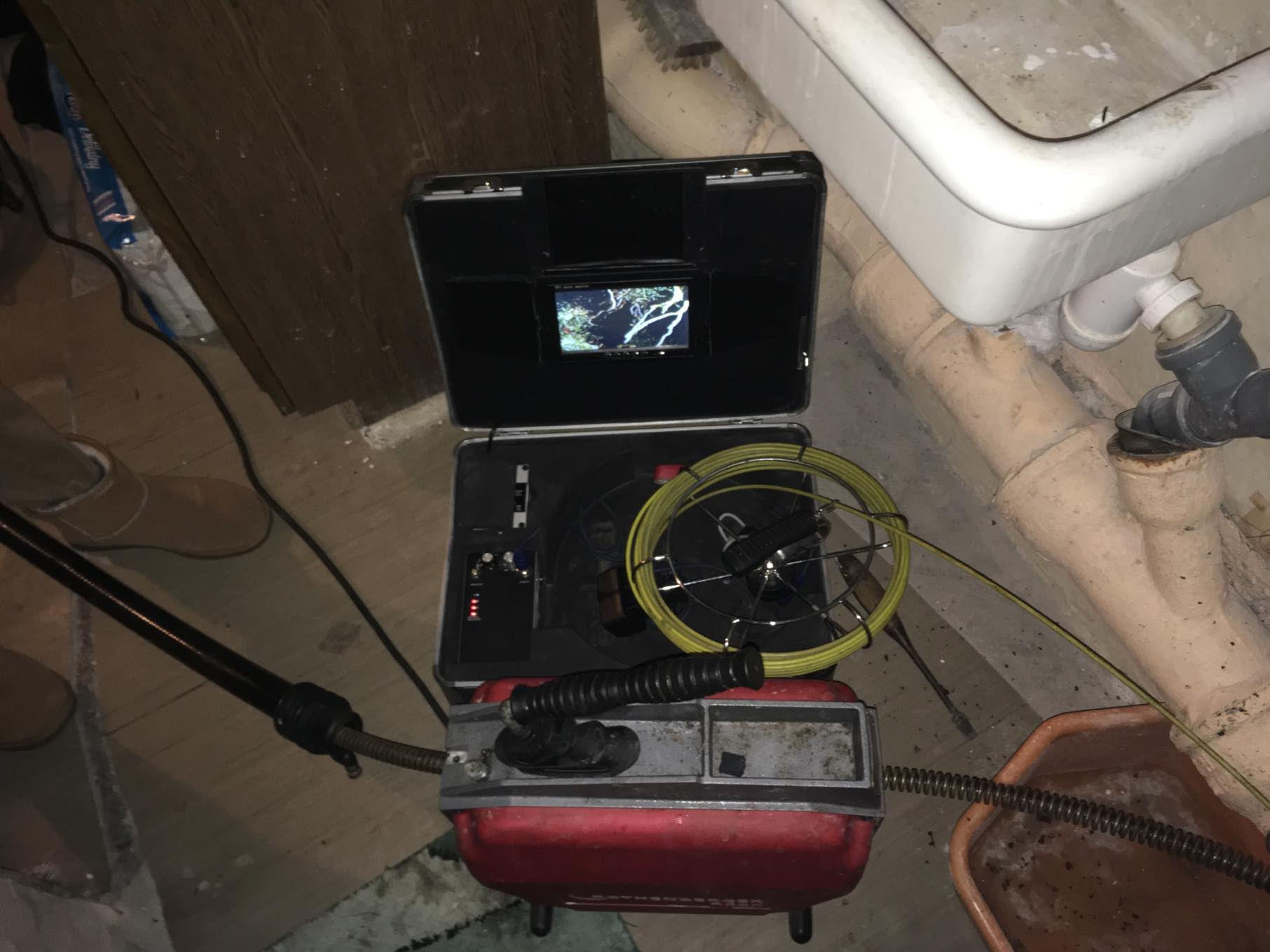 Przegląd instalacji kanalizacyjnej, pianowanie kanalizacji, udrażnianie rur, czyszczenie rur, odetkanie brodzika