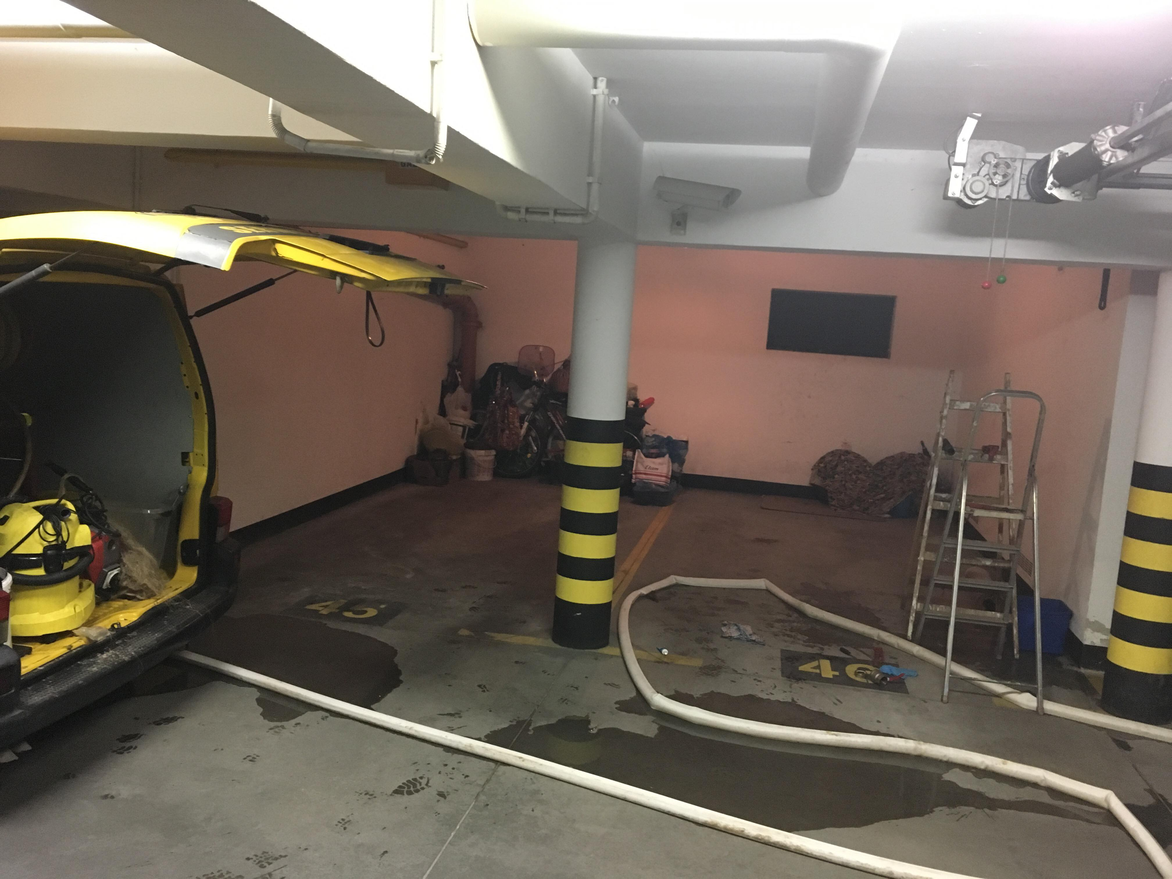 przepychanie odpływów w niskich garażach